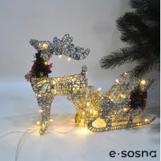 Олень с санями LED 45 см серебро